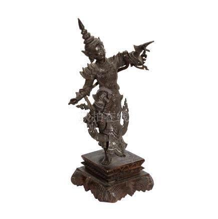 Bronzefigur eines Königs. BURMA, 1. Hälfte 20. Jh..Stehende Darstellung eines Königs des