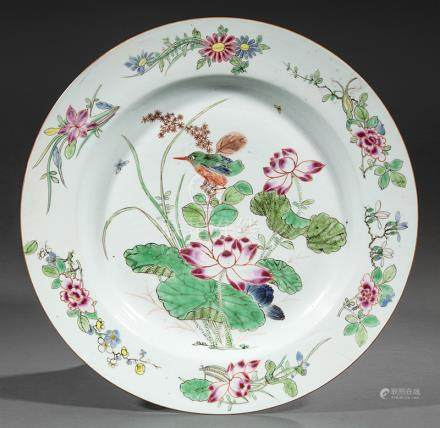 Chinese Export Famille Rose Porcelain Charger, Qianlong Period, 18th c., well enameled with a song