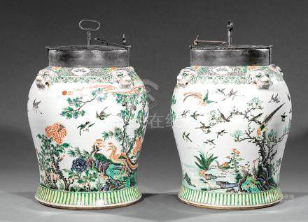 Highly Decorative Pair of Iron-Mounted Chinese Famille Verte Porcelain Tea Jars, shoulders with