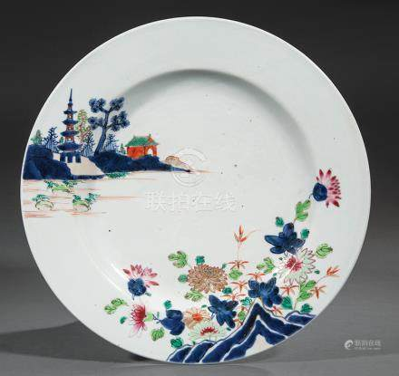 Chinese Export Famille Rose Porcelain Charger, Qing Dynasty (1644-1911), decorated in the Japanese