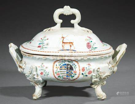 Chinese Export Armorial Porcelain Covered Soup Tureen, Qianlong Period, late 18th c., decorated in