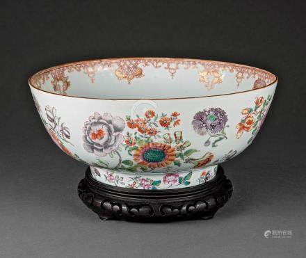 Chinese Export Famille Rose Porcelain Punch Bowl, Qing Dynasty (1644-1911), decorated with floral
