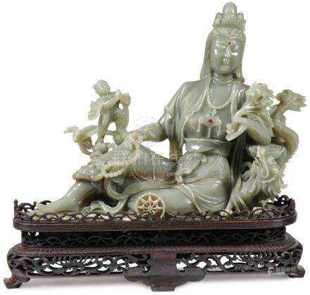 IMPRESSIVE CHINESE CARVED JADE FIGURE OF GUANYIN