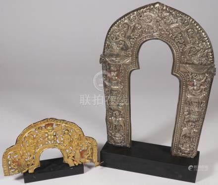 SINO-TIBETAN BUDDHIST HALOS