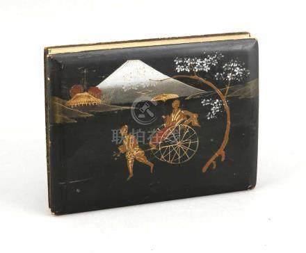 Leporello-Photoalbum, Japan, 1. V. 20. Jh., auf der einen Seite gestellte nachkolorierteschwarz-