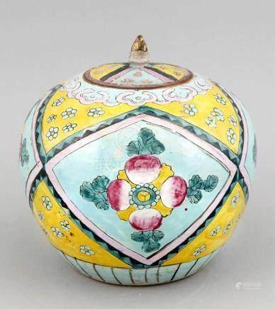 Keramik-Ingwertopf mit Deckel, China, 1. V. 20. Jh., umlaufende Rautenkartuschen mit umeinen