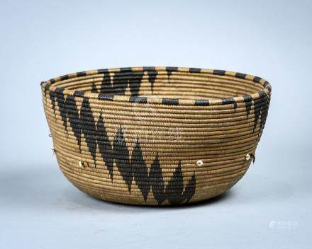 Fine Northwest California coiled basketry bowl, Pomo or Coastal Miwok, early 20th century, having