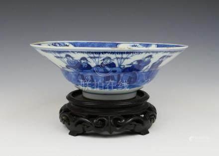 CHINESE KANGXI BLUE & WHITE KLAPMUTS WISEMEN BOWL