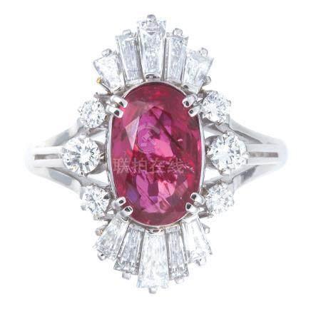 1.903 ct 緬甸產 紫紅色紅寶石 鑽石 鉑金戒指 (非加熱)