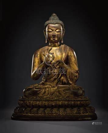 清早期 官造木胎金漆释迦牟尼座像