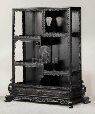 A FINE IMPERIAL ZITAN DISPLAY CABINET WITH FINE DECORATED DRAGONS AND CLOUDS, China, 18th/19th ct. -