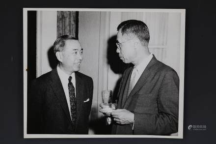 Photo of Dr. Kan Lee