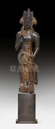 聖觀自在菩薩木雕立像。