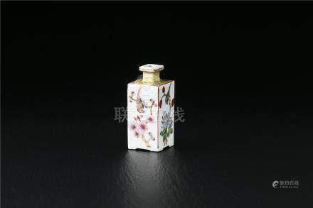 粉彩菱形花瓶