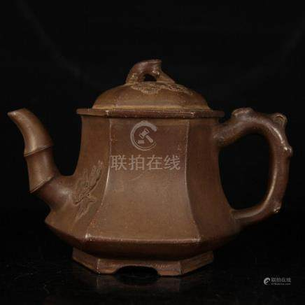 AN OLD MASTER BAMBOO HANDLED ZISHA TEA POT