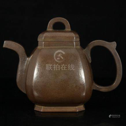 A QING PERIOD MASTER ZISHA TEA POT