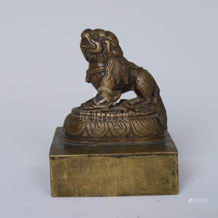 CHINESE BRONZE SEATED BEAST SEAL
