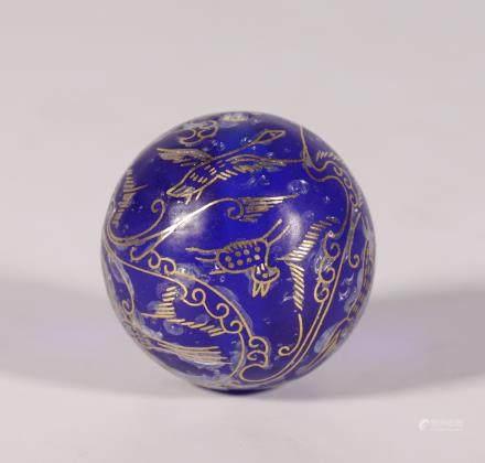 漢代 嵌金絲跑獸飛鳥琉璃珠