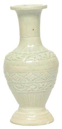 南宋 青白釉印花瓶