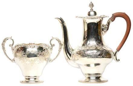 英國 鍍銀刻花壺連糖盅一套二件