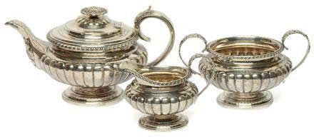 1825年 英國 銀南瓜形茶具一套三件 (銀重 1240克)
