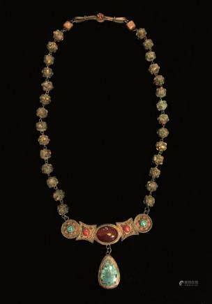 唐代鑲寶石項鍊