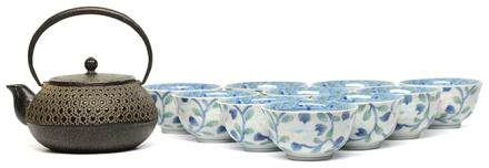 日本 庫山窰 彩釉花卉杯一套十件 (全新、附原裝盒) 連日本 鐵壺 (共11件)