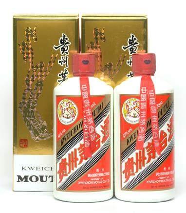 2010年 貴州(飛天)茅台二瓶 500ML (全新、附原裝盒)