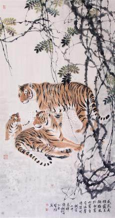 CHINESE SCROLL PAINTING OF TIGER FAMILY