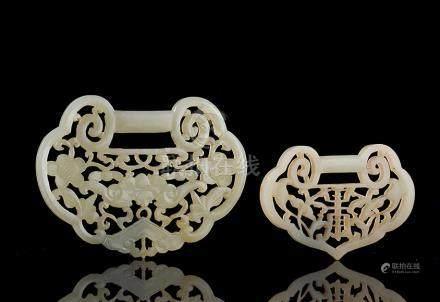 清 白玉镂雕福寿锁牌 (二件)