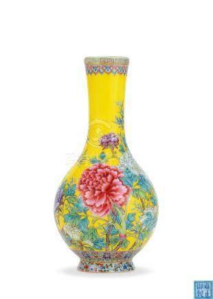 民国 珐琅彩花卉纹瓶