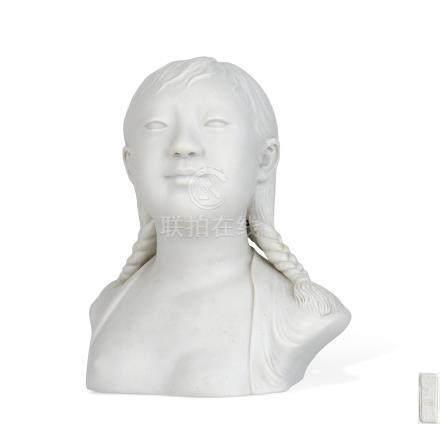 文革 素胎雕少女像