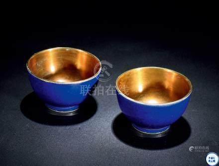 清雍正 蓝釉小杯 (一对)