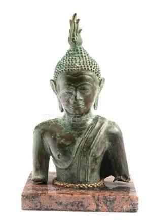 Thai Guatama Torso BuddhastatueThailand, 19. Jh., Bronze, H 23 cm. Provenienz: - Schweizer