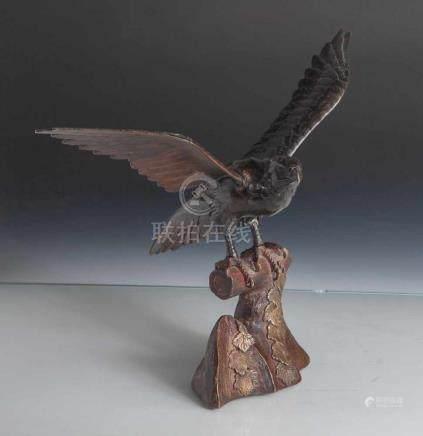 Figurine, Adler, 2-teilig, Japan, Meiji-Zeit, Bronze, Darstellung eines Adlers mitausgebreiteten