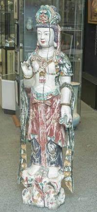 Guanyin, China, 19. Jahrhundert, große Holzstatue, alte polychrome Fassung. H. ca. 154 cm,