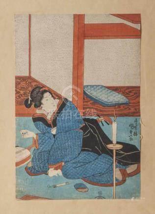Kunisada I (1786-1865), Geisha mit Teetasse, Farbholzschnitt, ca. 35,5 x 24 cm, ungerahmt.Etw.