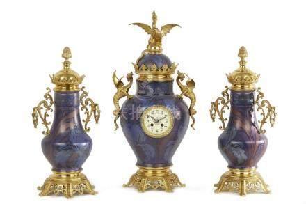 Garniture de cheminée aux dragons en porcelaine chinoise à f
