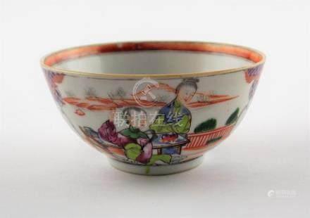 """BOWL CHINO. En porcelana decorada """"damas y flores"""". Medidas:"""