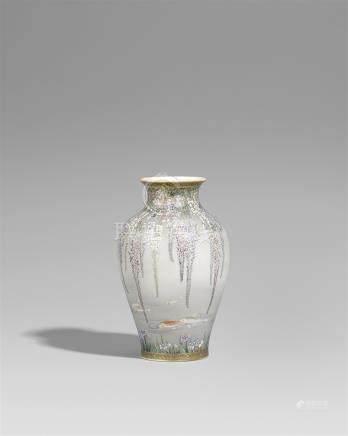 A Kinkôzan Satsuma vase. Around 1900