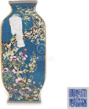 Qianlong Period of Qing Dynasty  轧道珐琅彩描金花鸟纹四方瓶