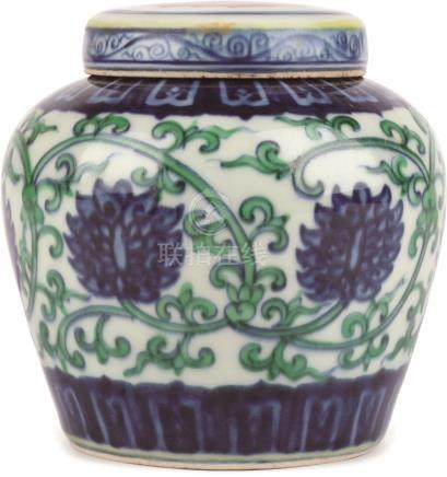 Chenghua Period of Ming Dynasty  斗彩缠枝莲纹天字罐