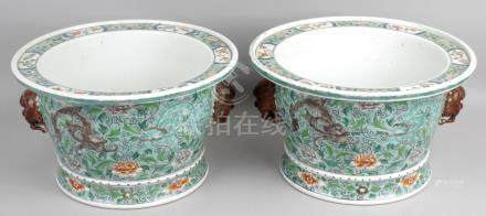 A pair of Chinese Kangxi famille verte porcelain planters,