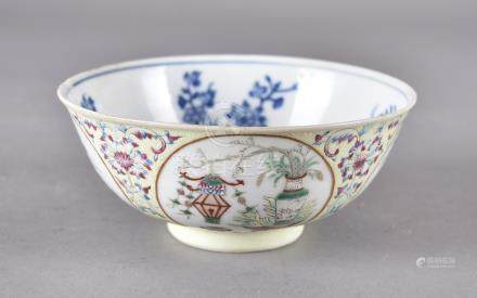 A late 18th/early 19th Century Chinese porcelain famille rose bowl, the exterior with four