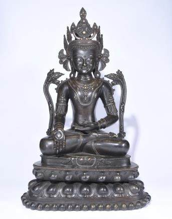 A GILT AND SILVER BRONZE BUDDHA STATUE