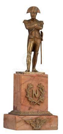 A Napoleon statue, polished bronze on a brèche marble socle set with bronze mounts, H 36 cm