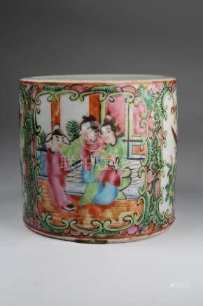 Chinese Rose Medallion Porcelain Brush Pot