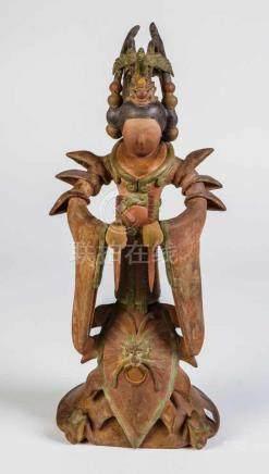 Tänzerin im Tang-StilChina, wohl 19. Jahrhundert Stehende Hofdame/Tänzerin in Zeremonialgewand, zwei