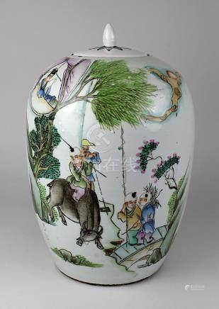 Chinesischer Schultertopf aus Porzellan, um 1900, Deckel aus Keramik ergänzt, handgedrehter
