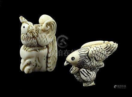 2 japanische Netsukes aus Elfenbein, 2 Vogelfiguren, handgeschnitzte Figuren, L jew. 5 cm,